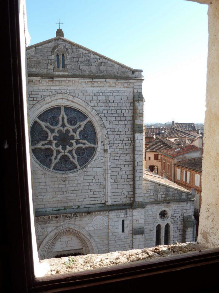Vue de l'église depuis la Tour d'Arles